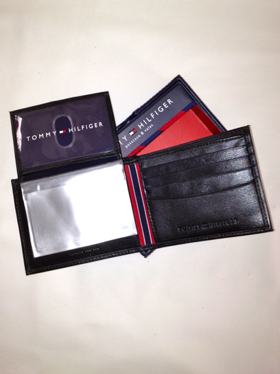 Tommy Hilfiger Passcase Billfold Wallet Black (0091-5389/01) - Click Image to Close