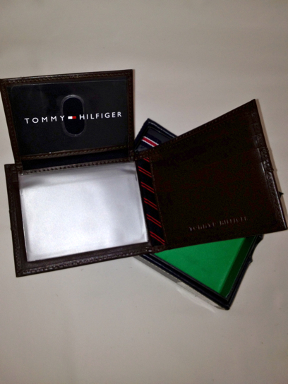 Tommy Hilfiger Passcase Billfold Wallet Brown (0091-5673/02)