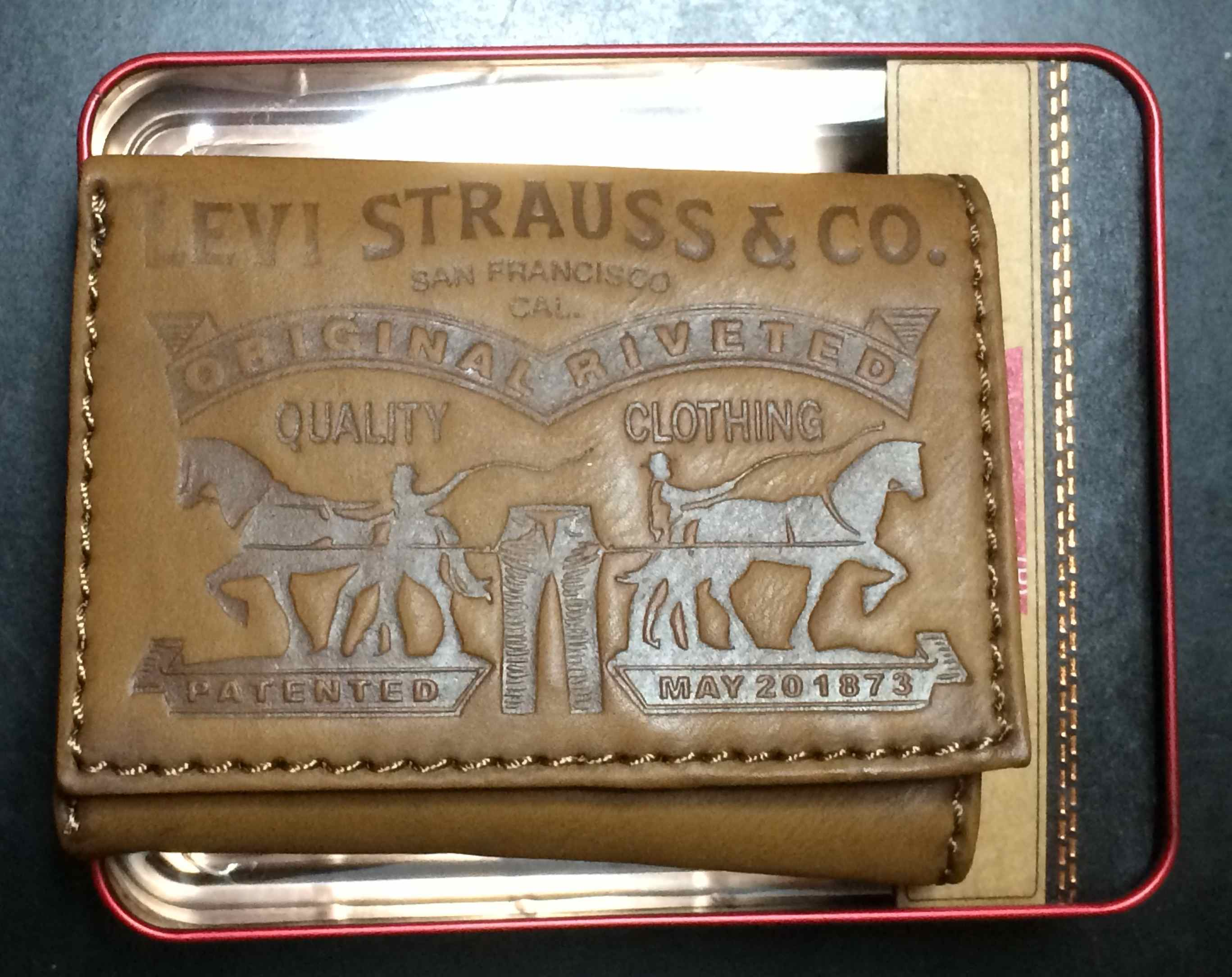 Levi's Two Horse Logo Trifold Wallet - Tan (31LV1179)