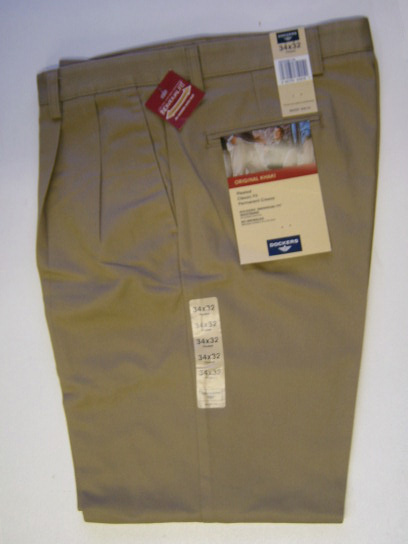 Dockers Pleated Classic : Regular Khaki